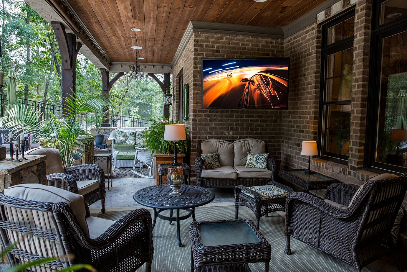 Outdoor Living Space Covered Entertaining